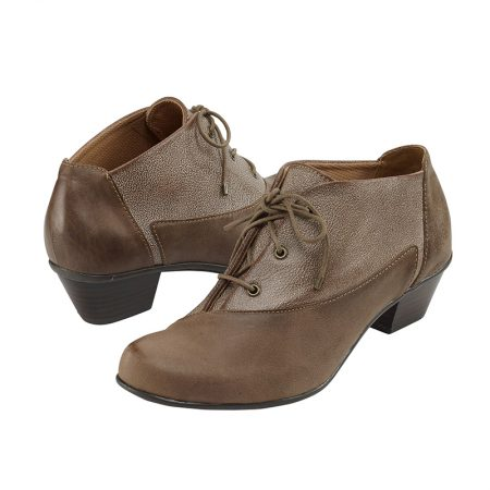 LEAH LACE-UP SHORTIE BROWN MIX