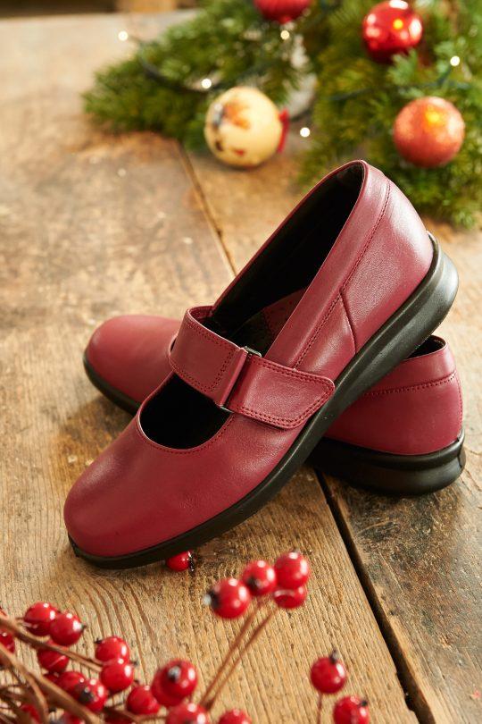 Широки дамски обувки